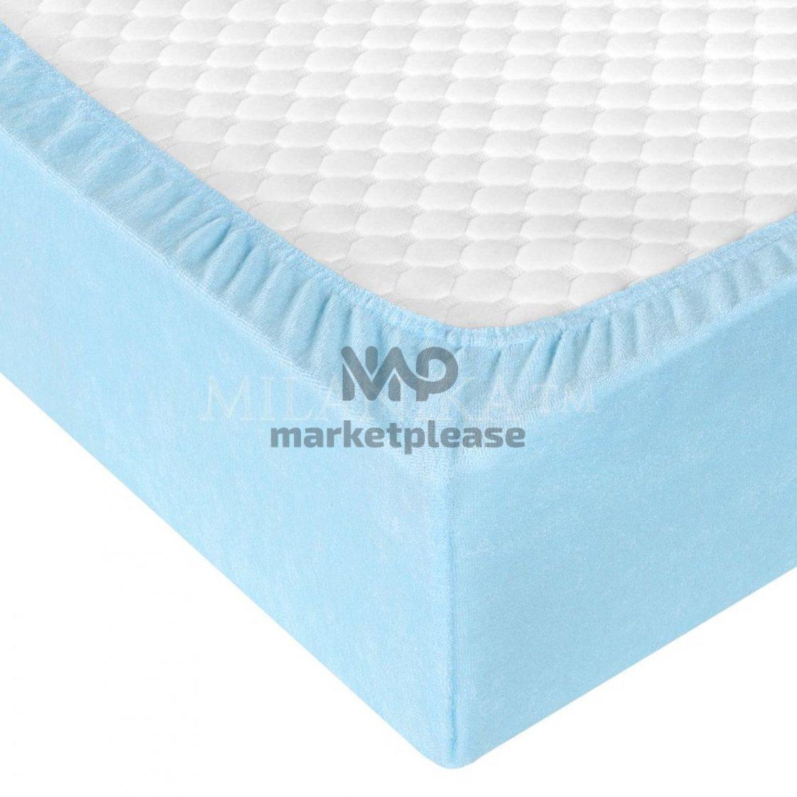 Махровая простыня на резинке (светло-голубой)
